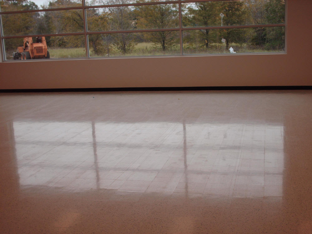 Seamless Esd Sheet Vinyl Floors Provide Outstanding Looks Durability Cleanliness And Unmatched Static Control